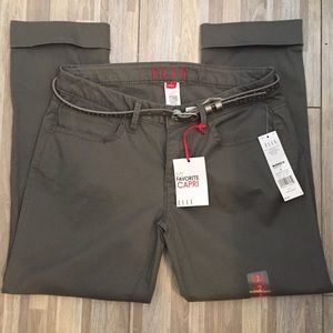 Elle Capri in sage green size 2 NWT